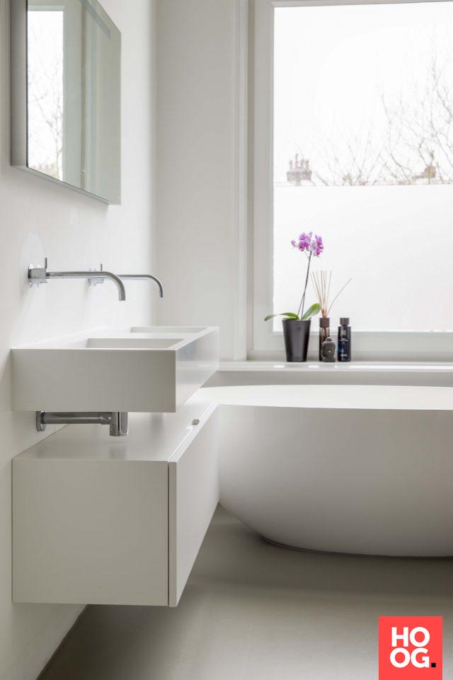 Luxe badkamer ontwerp met ronde badkuip | badkamer ideeën | design ...