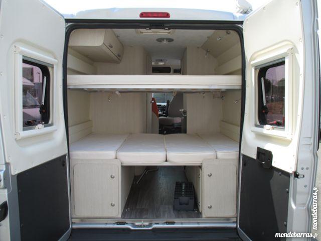 fourgon amenage 4 places avec lits superposes recherche google fourgon am nag pinterest. Black Bedroom Furniture Sets. Home Design Ideas