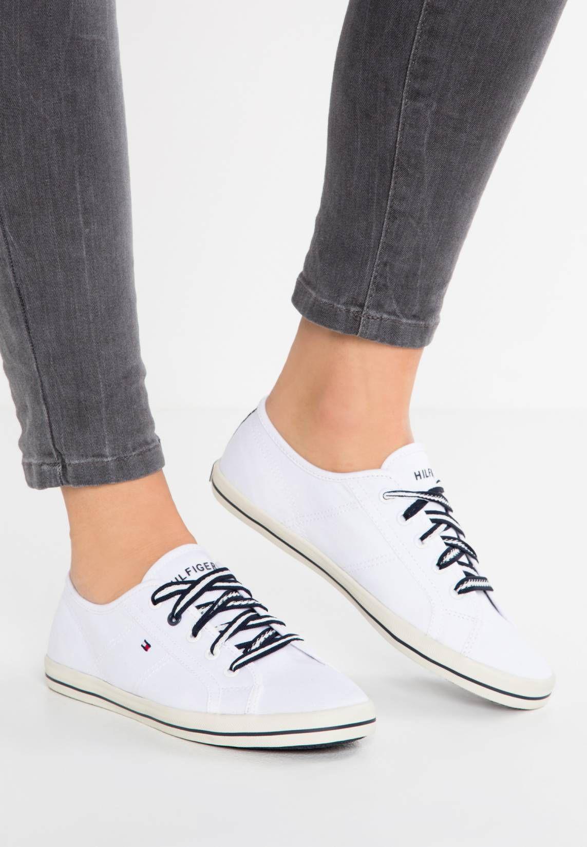 completo nelle specifiche aspetto estetico servizio eccellente Tommy Hilfiger. VICTORIA - Sneakers basse - white. Materiale ...