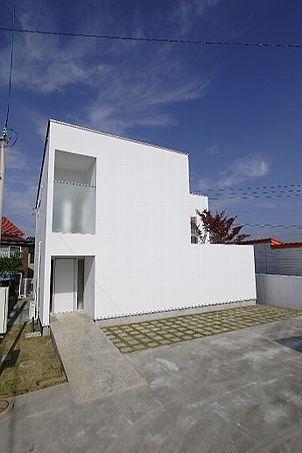 White cube 岩手県盛岡市 木造在来工法2階建 2005年10月竣工  / Qull一級建築士事務所