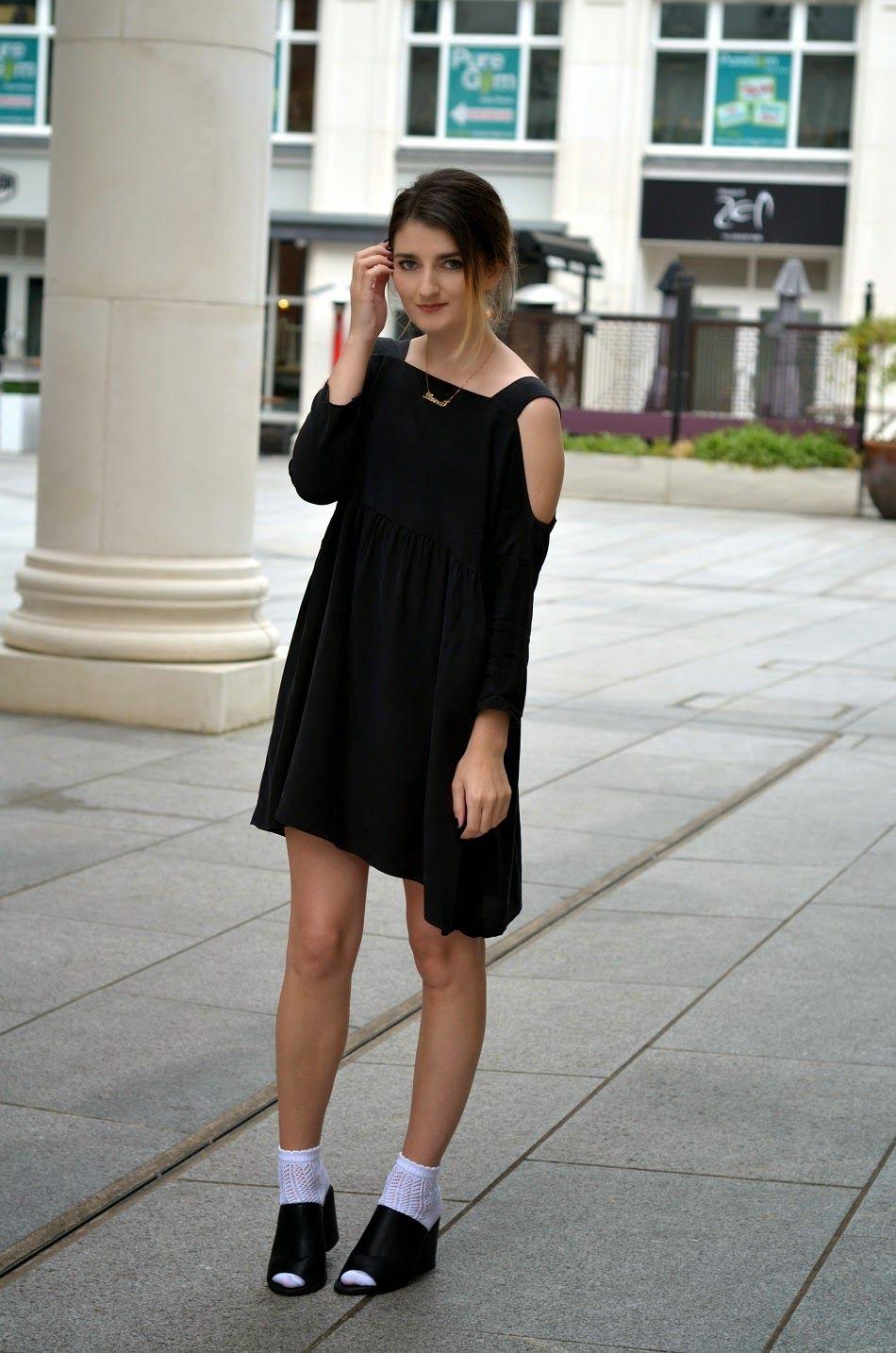 Laura Ward Mini Black Dress And Black Mule White Sock Miniskirt Outfits Mini Black Dress Fashion [ 1434 x 950 Pixel ]