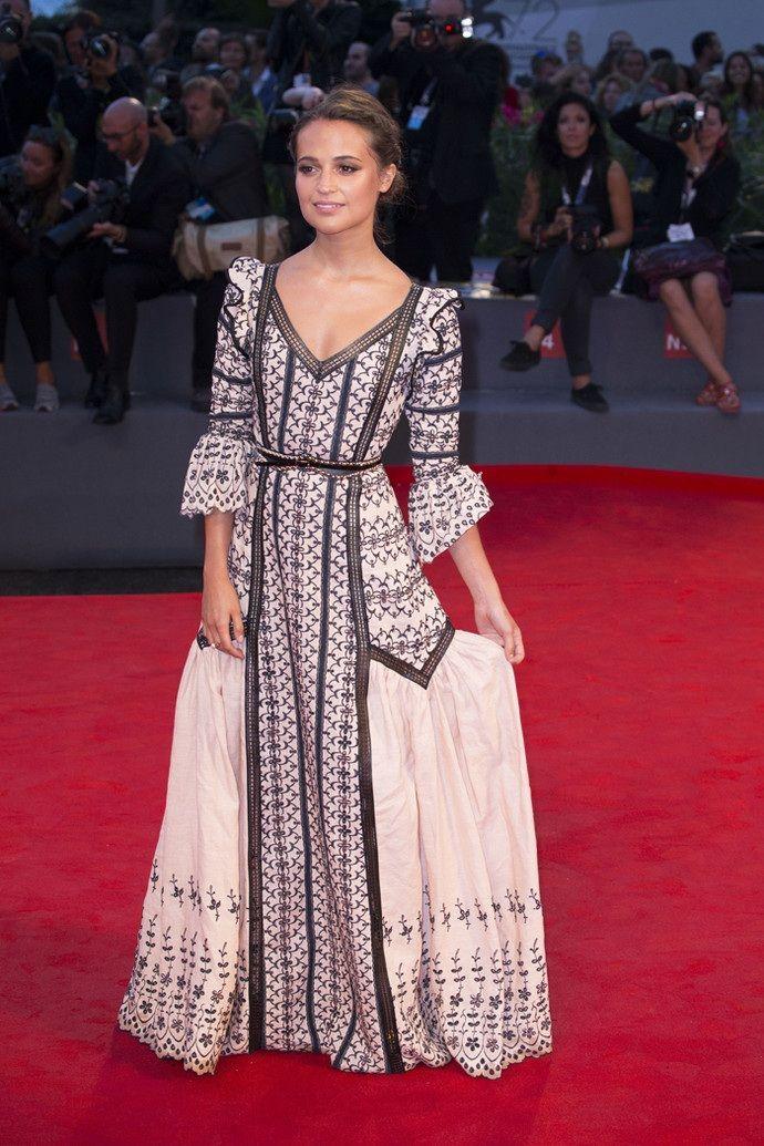 10 самых эффектных платьев Венецианского кинофестиваля