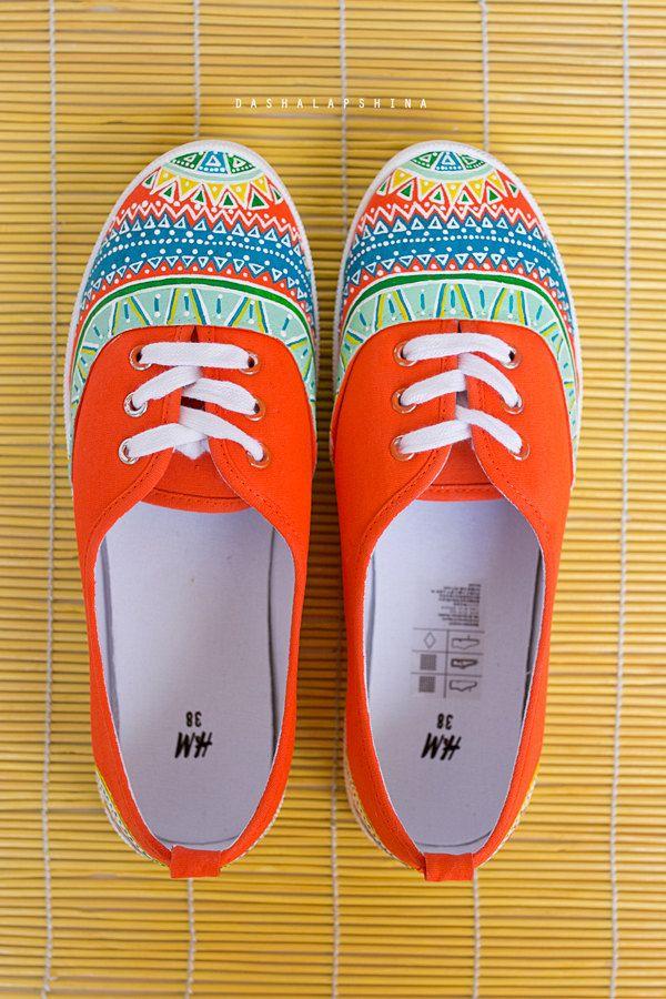 https://www.etsy.com/fr/listing/189451116/femmes-chaussures-de-toile-baskets?ref=shop_home_active_62