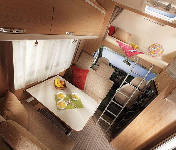El dise o y el confort no est n re idos con la decoraci n de caravanas el uso de la madera y - Decoracion interior caravanas ...