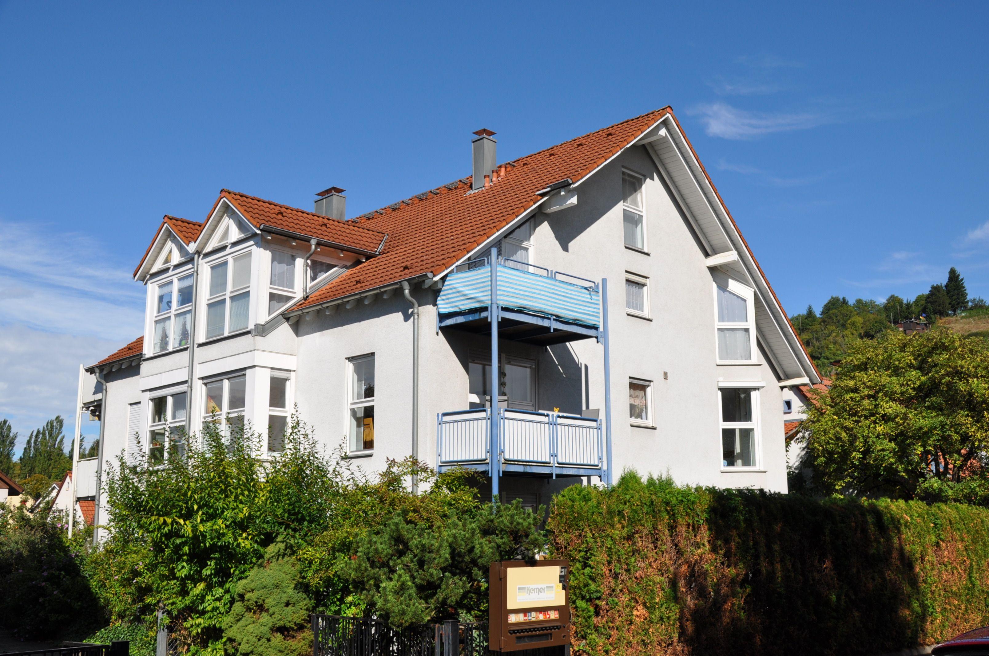 Zwei vermietete Wohnungen (Miete jhrl. gesamt EUR 7.440