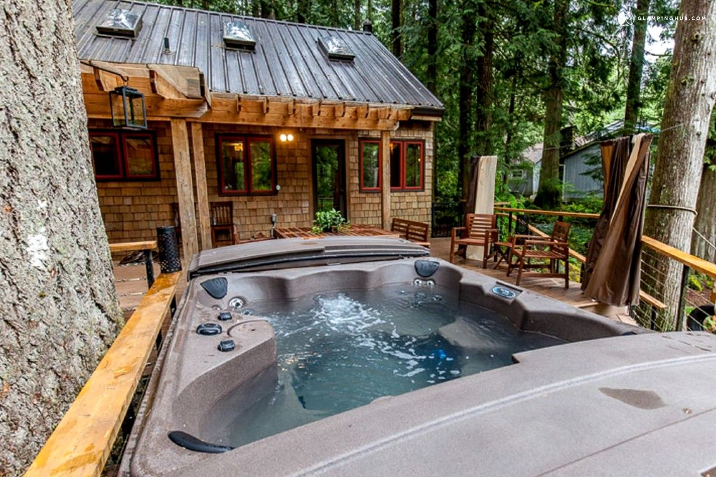 Rhododendron Or 159 Fully Furnished Cabin Rental With Outdoor Hot Tub In Mount Hood National Forest Hot Tub Outdoor Hot Tub Cabin Rentals