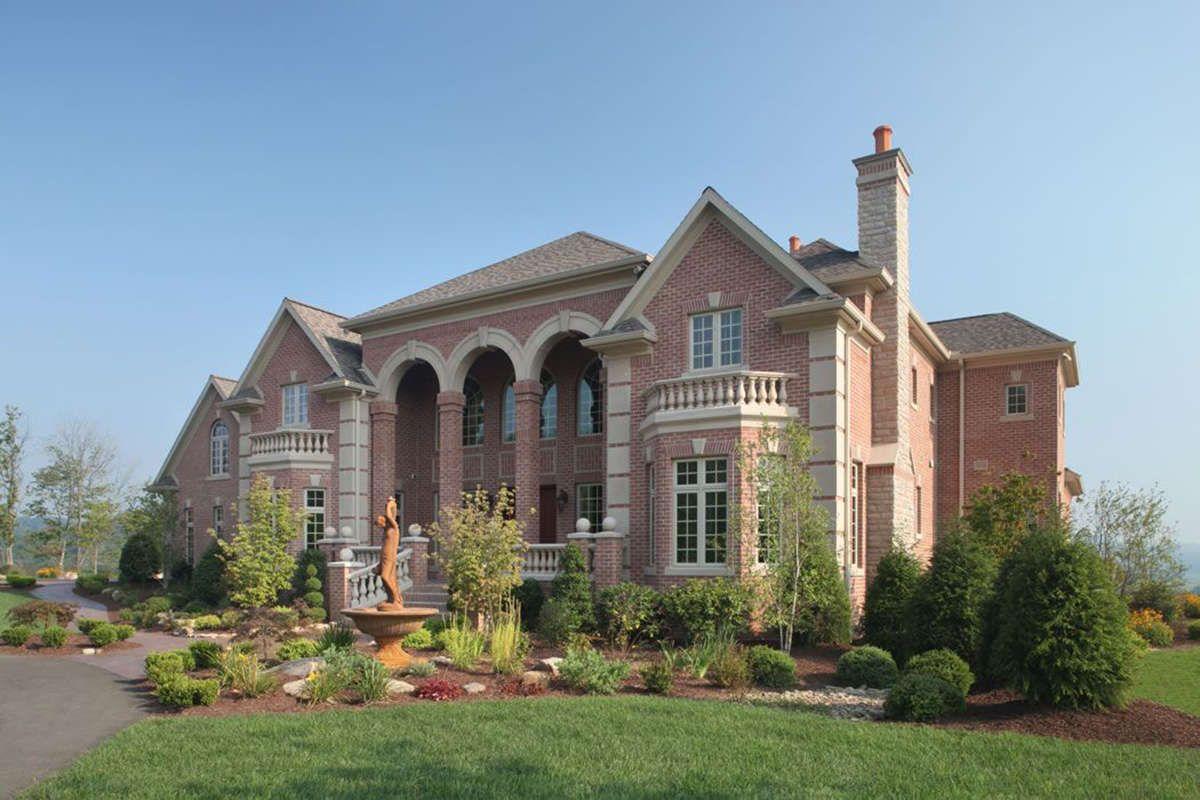 Luxury House Plan 402