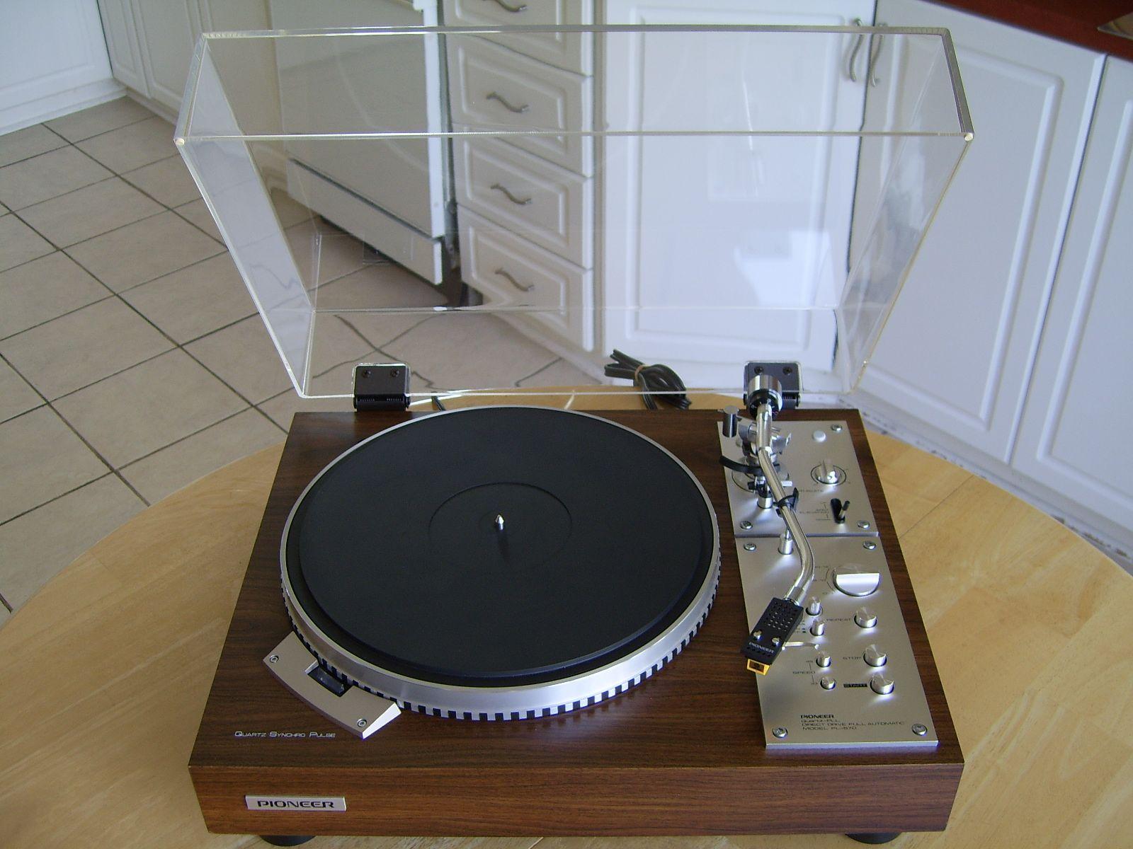 Pioneer PL 570 Quartz Turntable
