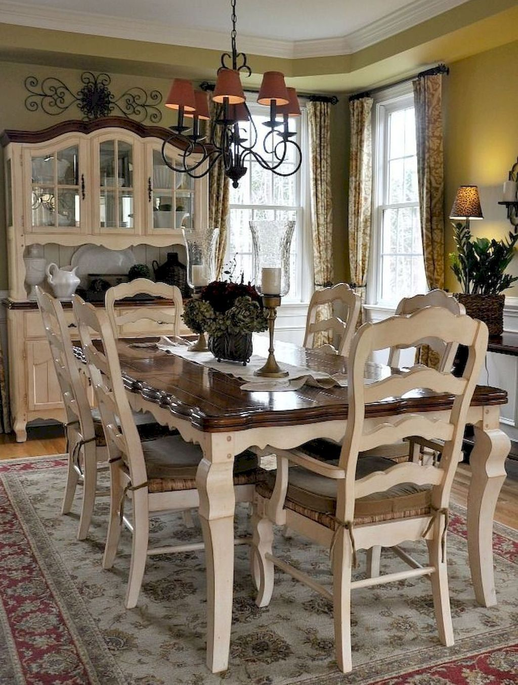 Fancy French Country Dining Room Decor Ideas 44