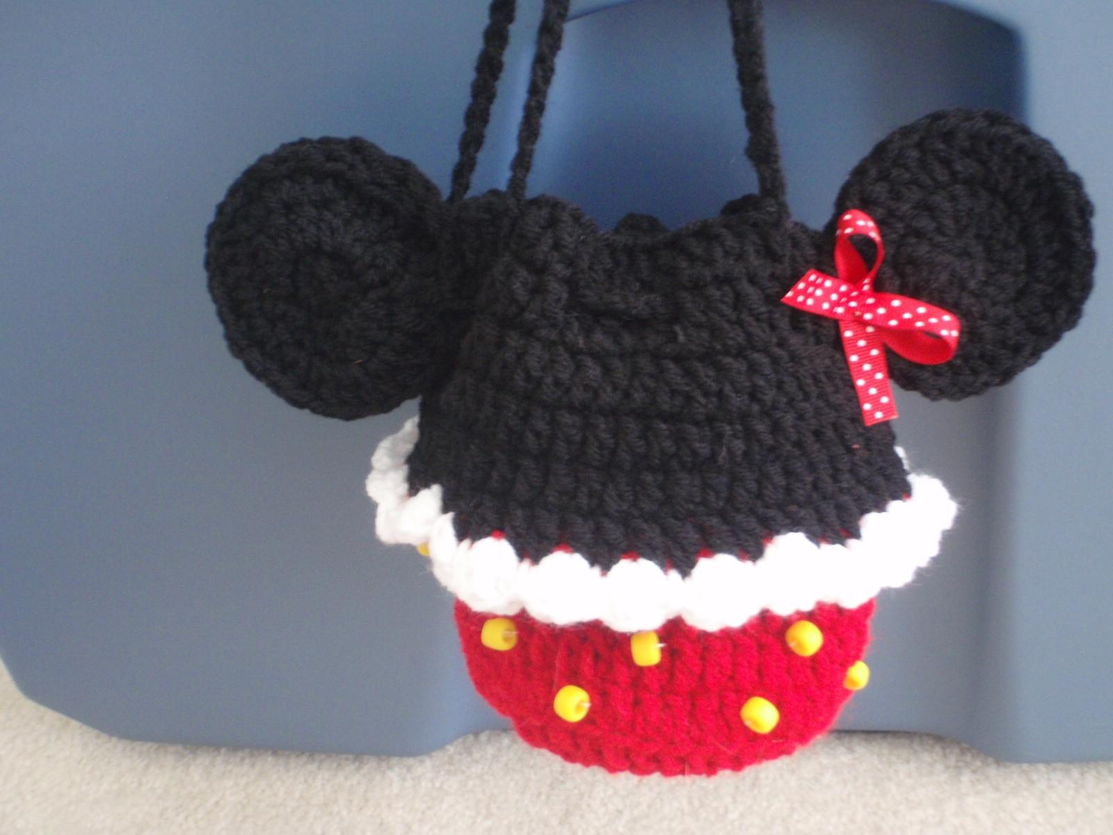 crochet cupcake minnie mouse purse | Hooks & Needles | Pinterest ...