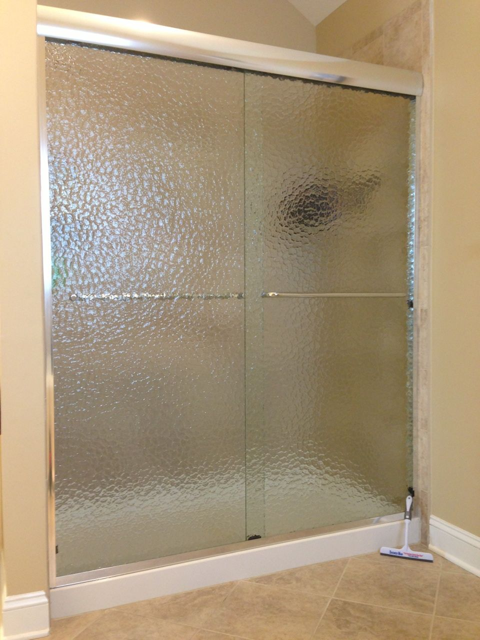 Frosted Shower Doors Shown Is A Textured Showerman Shower Enclosure Made With Rain Glass Http S Frosted Shower Doors Shower Doors Frosted Glass Shower Door