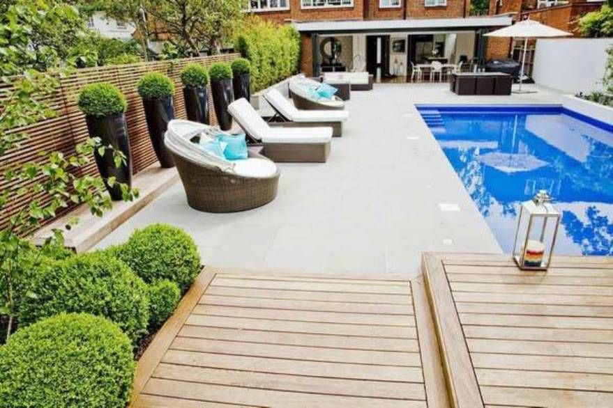 Pool Decorating Ideas swimming-pool-decorating-ideas-with-topiary-trees (879×586