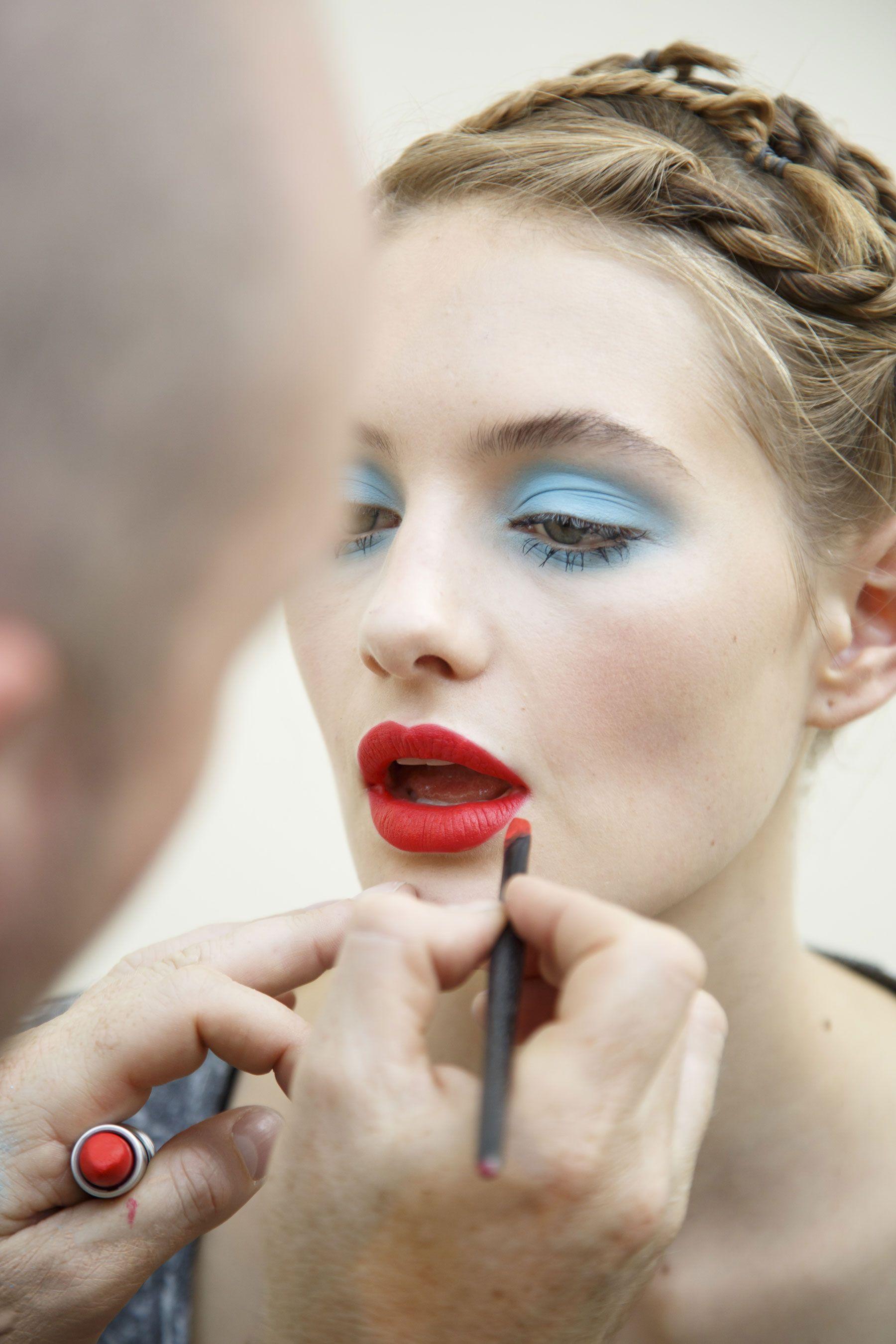 Emanuel Ungaro Spring 2015 RTW Paris El Arte Del Maquillaje f79ab5436f65