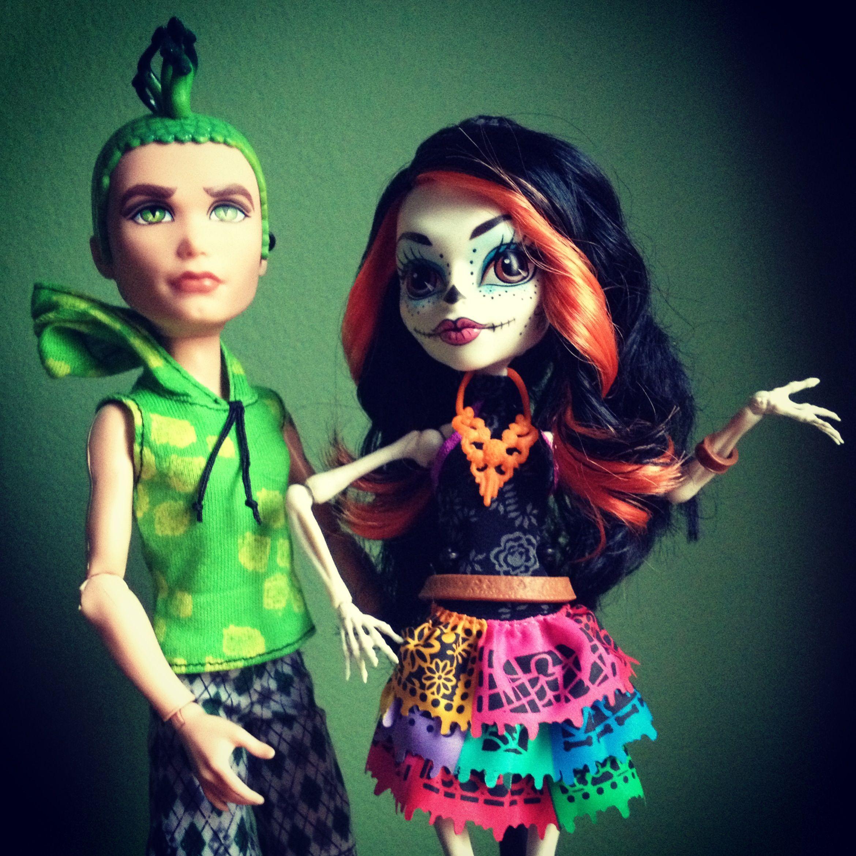 douce gordon and skelita calaveras monster high doll monster high dollshalloween costumesmonsters - Skelita Calaveras Halloween Costume
