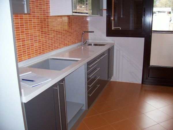 Cocina con azulejos de gresite modernos conce - Azulejos cocina modernos ...