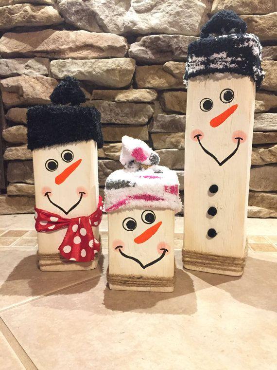 Un ensemble tr s mignon de bloc en bois 3 bonhommes de neige chacun sont fabriqu s en bois de 4 - Bonhomme de neige en bois ...