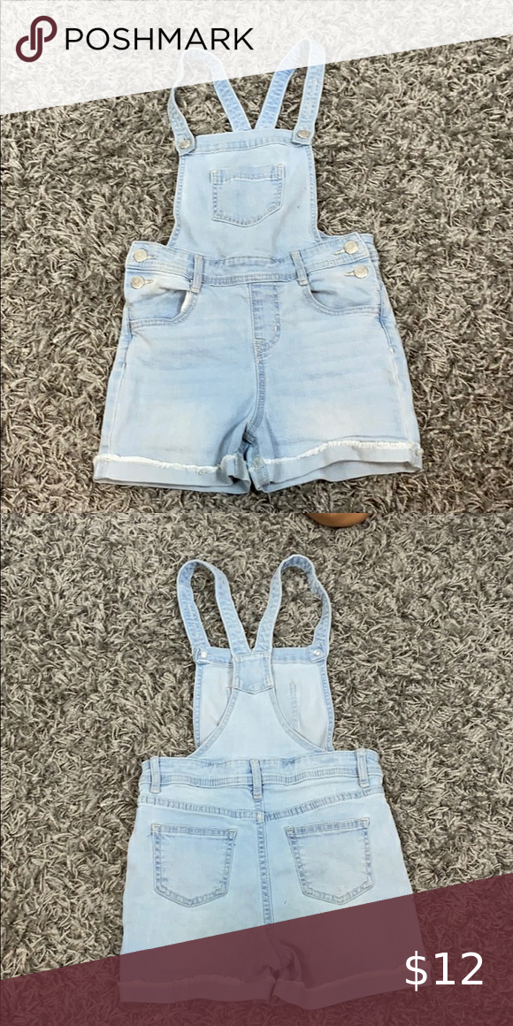 Cat & Jack - shorts overall - 6/6x Normal wear Adjustable straps Snap sides- faux button Super stretch 68% Cotton 20% Recycled Polyester 11% Rayón 1% Spandex Cat & Jack Bottoms Overalls
