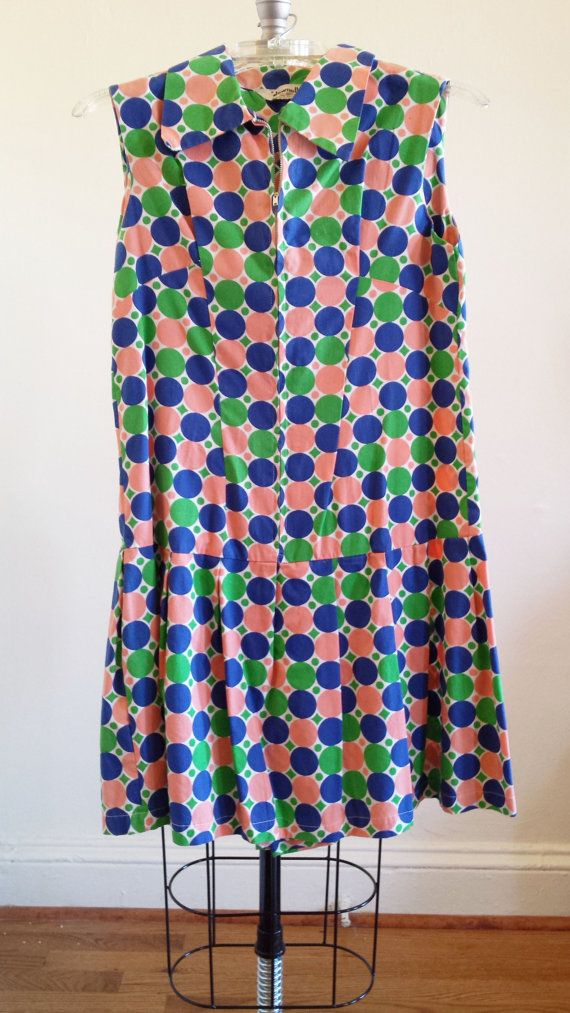 The dress is a size 4-6. Hem ends slightly above knee on a 53 person.    It is a culottes dress, meaning that the bottom looks like a skirt, but its