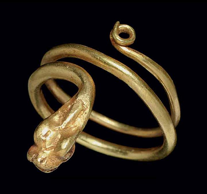 A ROMAN GOLD SNAKE RING   CIRCA 1ST CENTURY A.D.