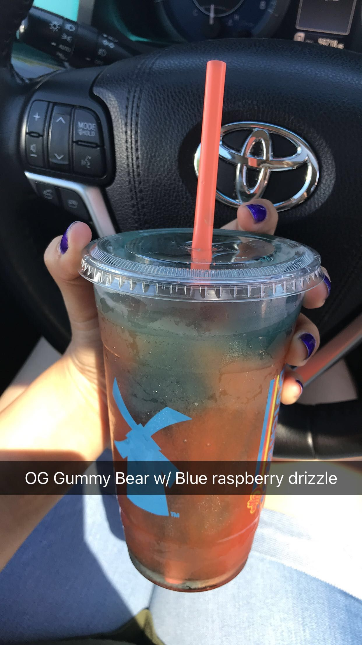 Perfect for anyone who's craving something not too sweet and looking for a kick of flavor with that Grapefruit in it! Added Blue Raspberry drizzle for personal choice! Officially_Ashh for more dutch drinks! #dutchbros