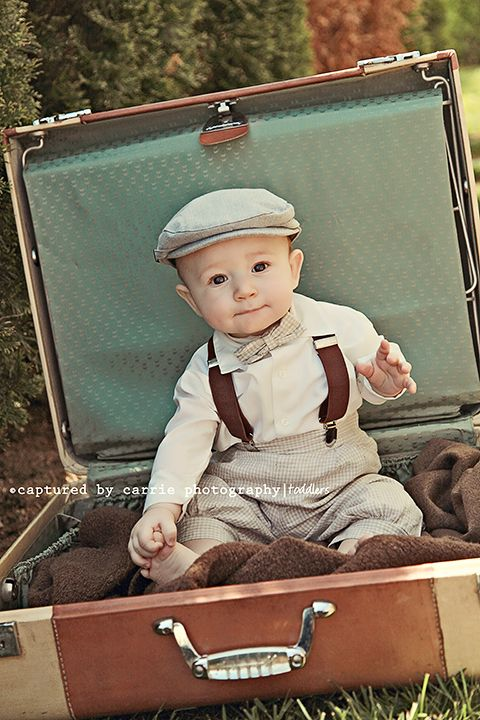 {Tiny Traveler} :o)  Image by © Captured By Carrie Photography  http://www.facebook.com/CapturedByCarriePhotography