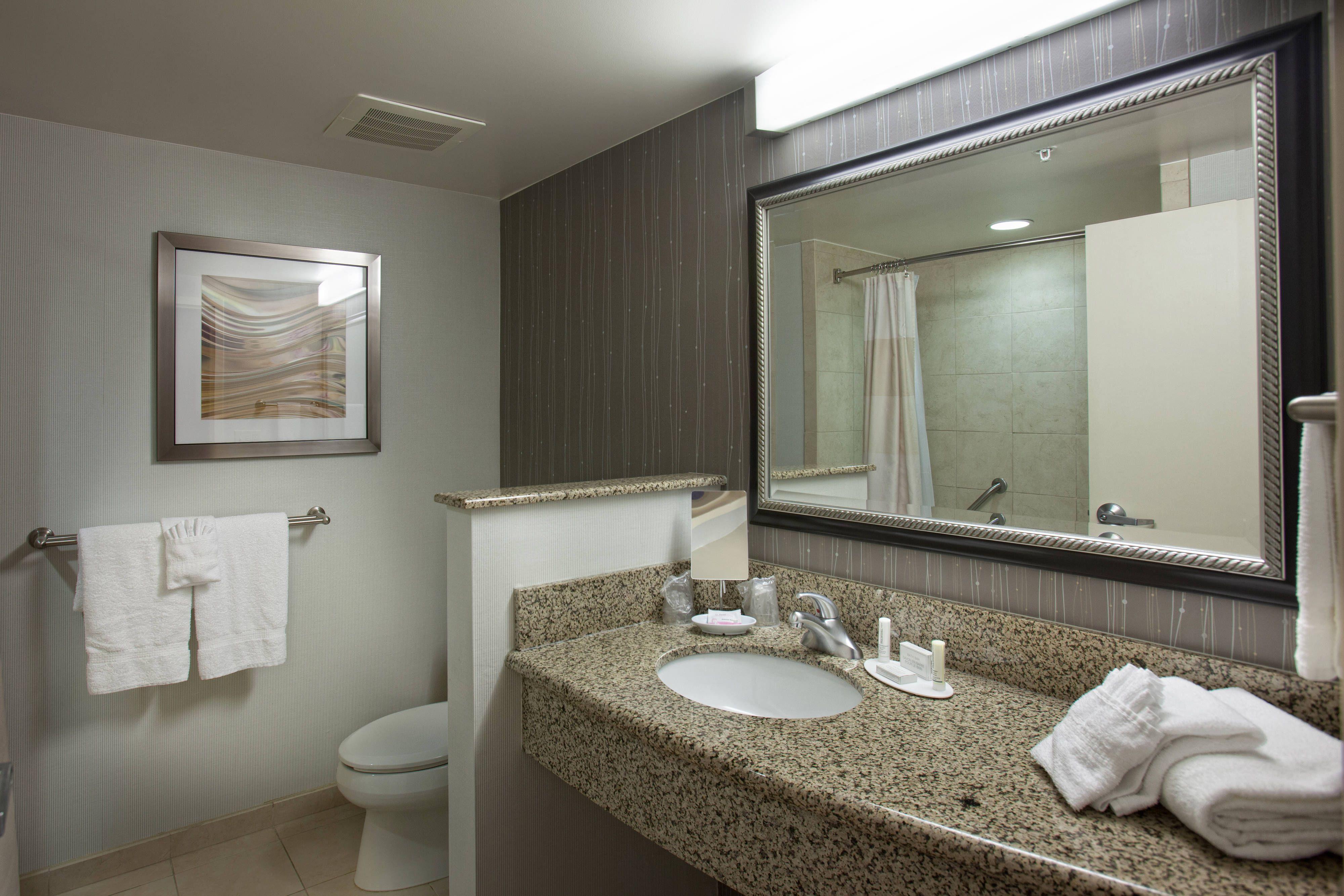 Courtyard Fayetteville Guest Bathroom Comfort Comfortable