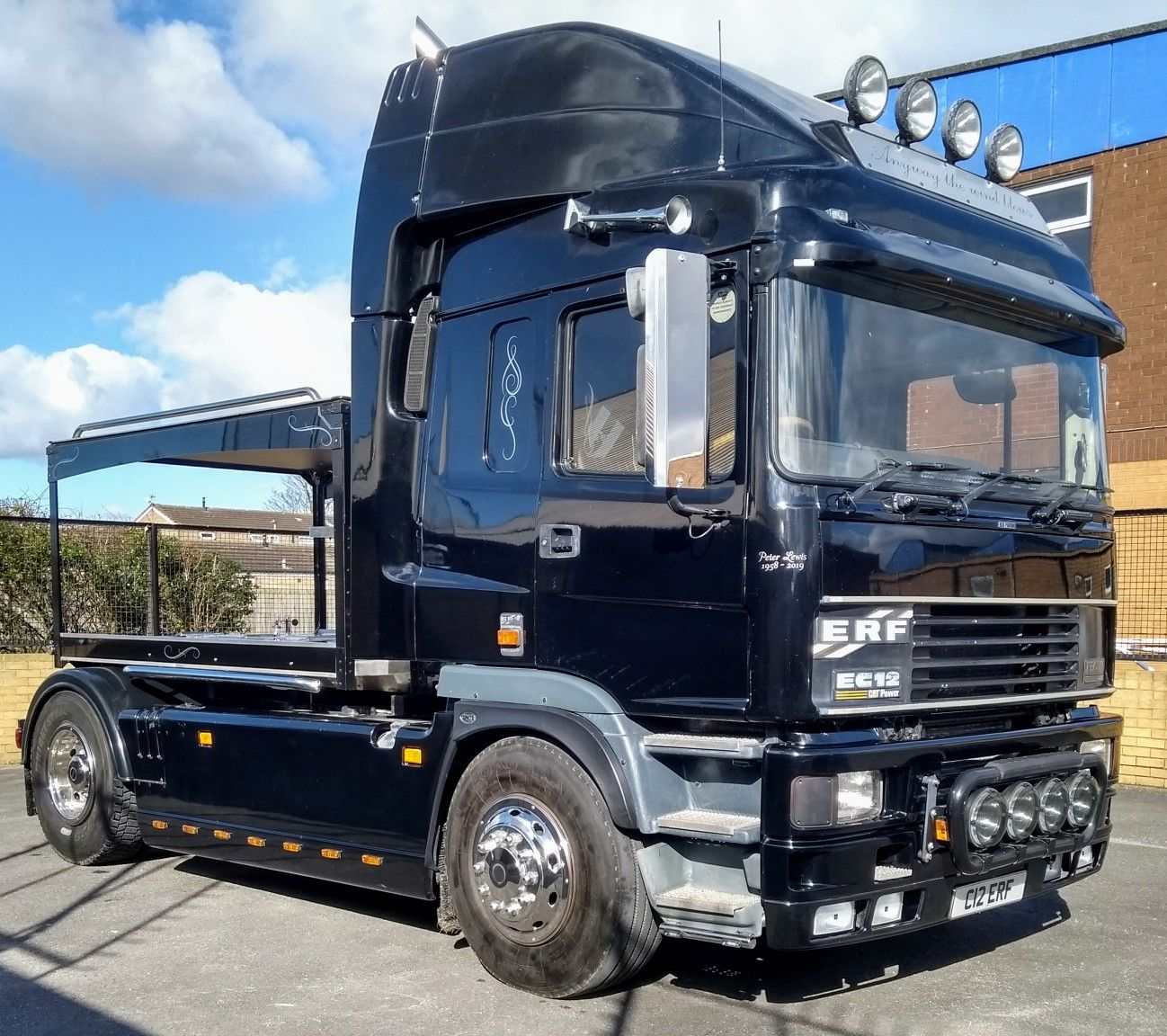 Hull rent truck
