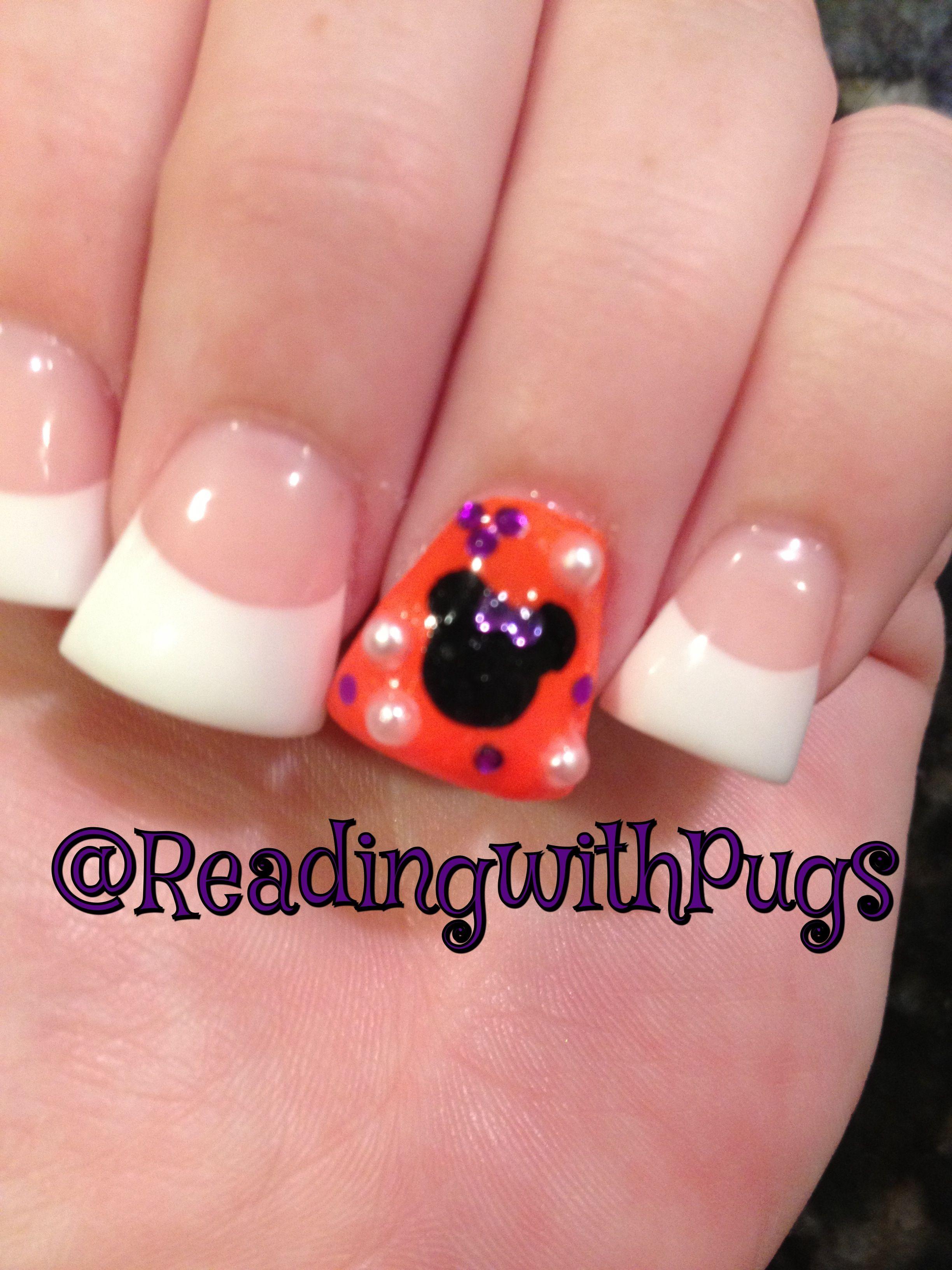 Mickey Halloween nails #disney | Halloween nails, Disney ...