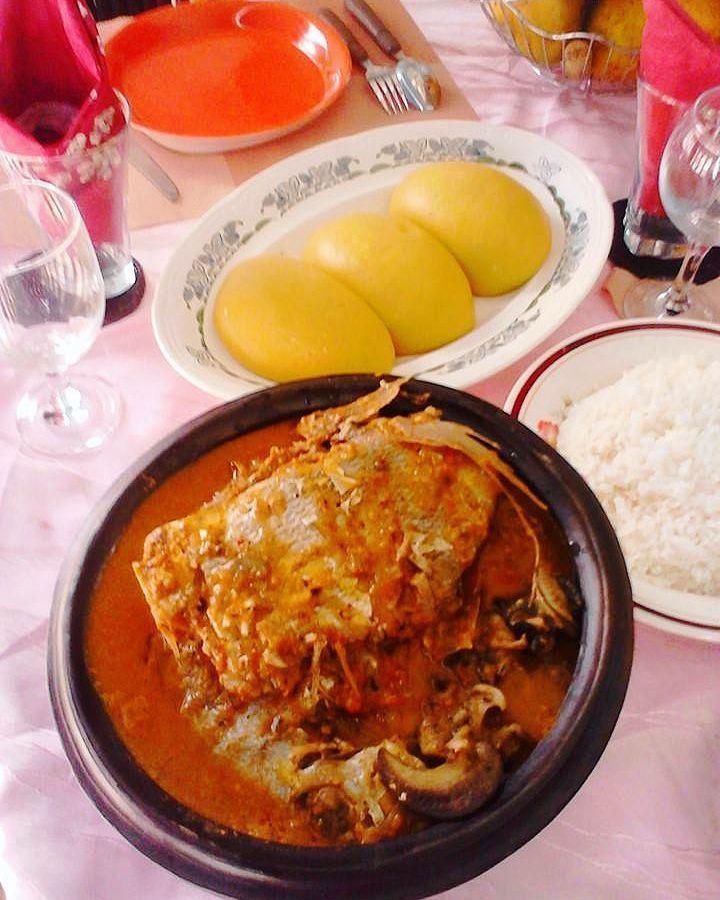 À table jamais dans le foutou! #IvorianFood la bonne cuisine ...