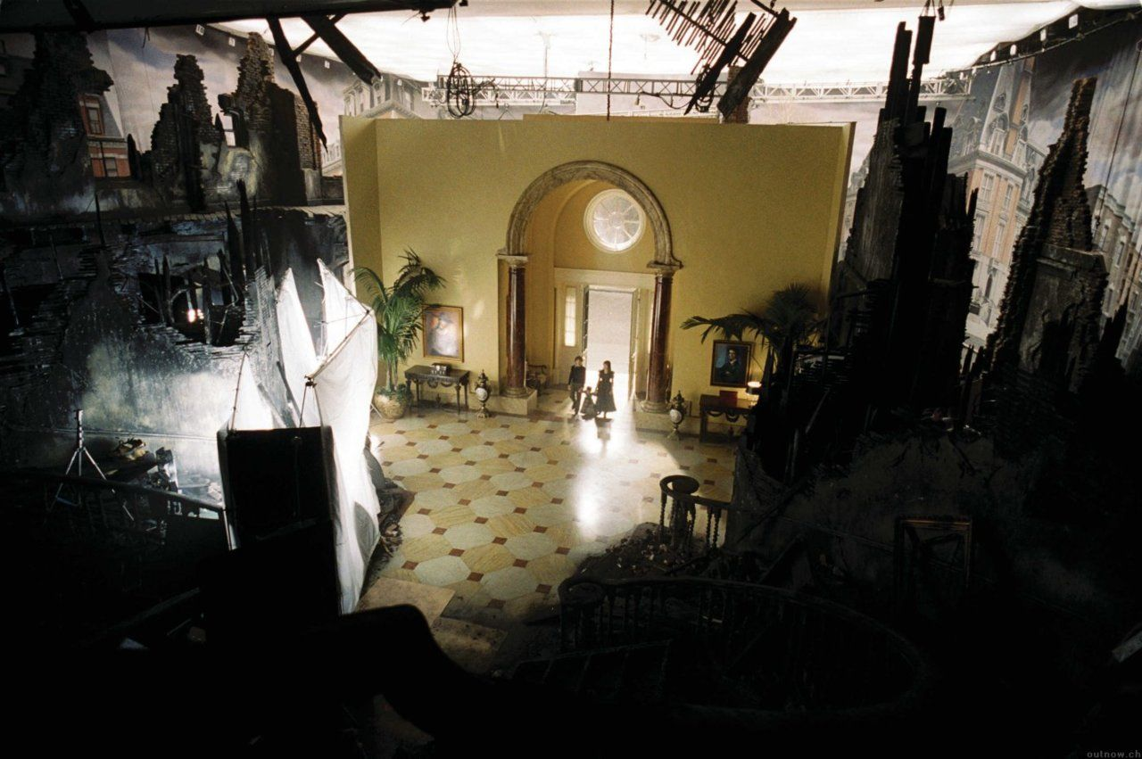 A Series Of Unfortunate Events Mansion Movie