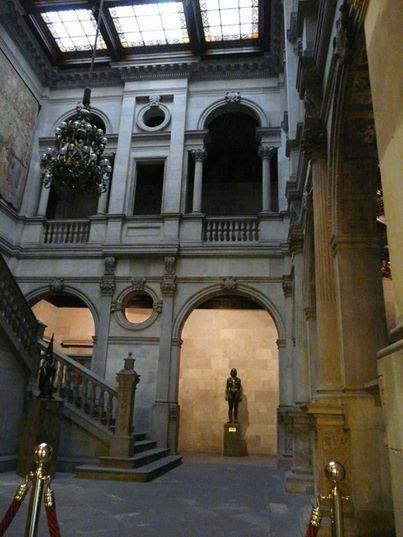 Interior del Ayuntamiento de Barcelona