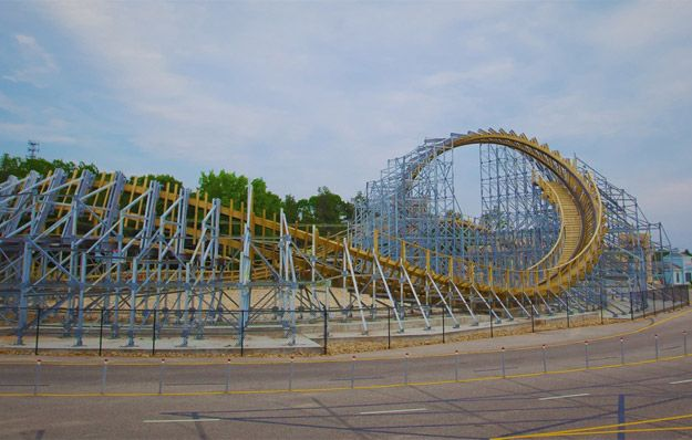 Hades 360 Worlds First Upside Down Wooden Roller Coaster In Wi Dells
