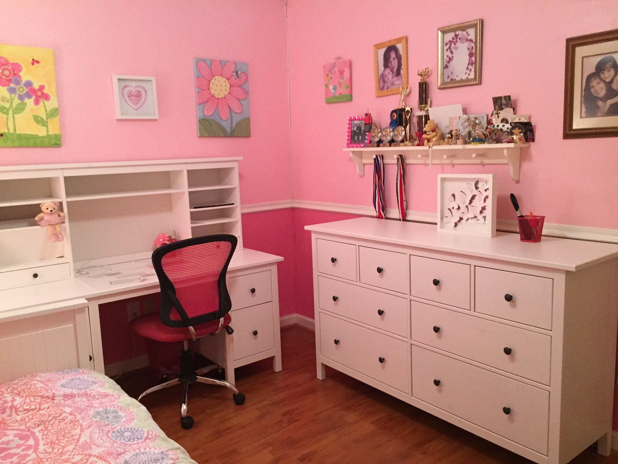 ikea hemnes desk with hutch and dresser for our tween girl who loves pink chair from office max. Black Bedroom Furniture Sets. Home Design Ideas