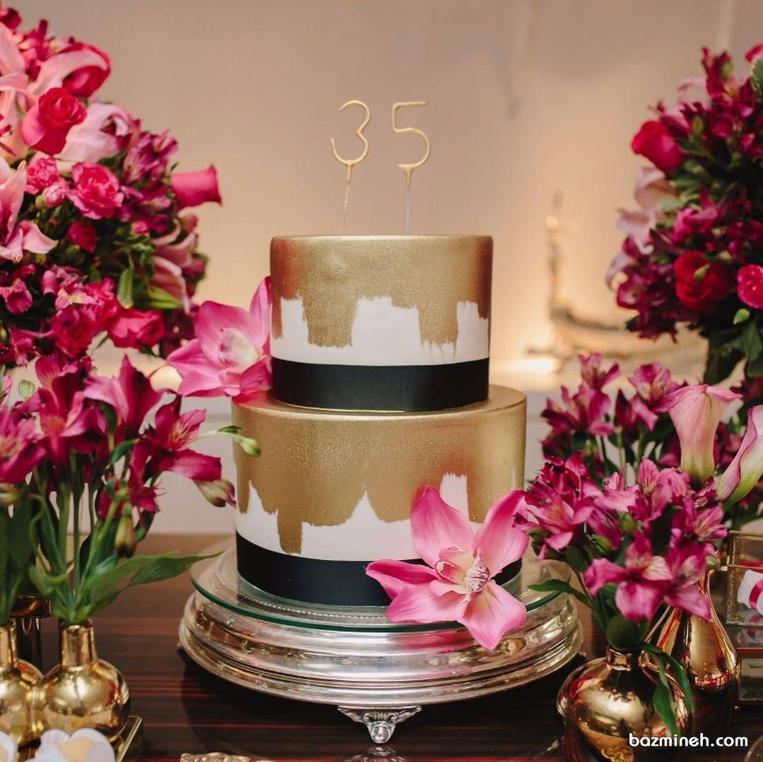 کیک شیک جشن تولد سی و پنج سالگی و تزیین زیبای آن با گل های صورتی Table Decorations Decor Home Decor