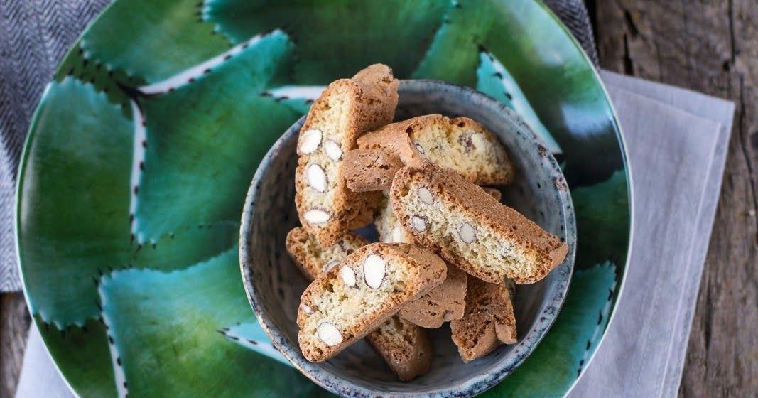 Ganz einfach selber backen und damit Freunde und Familie überraschen: knusprige Cantuccini aus der Toskana!