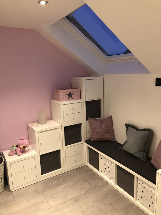 Ein Hochbett aus Ikea Kallax Regalen #Kinderzimmer   Regal