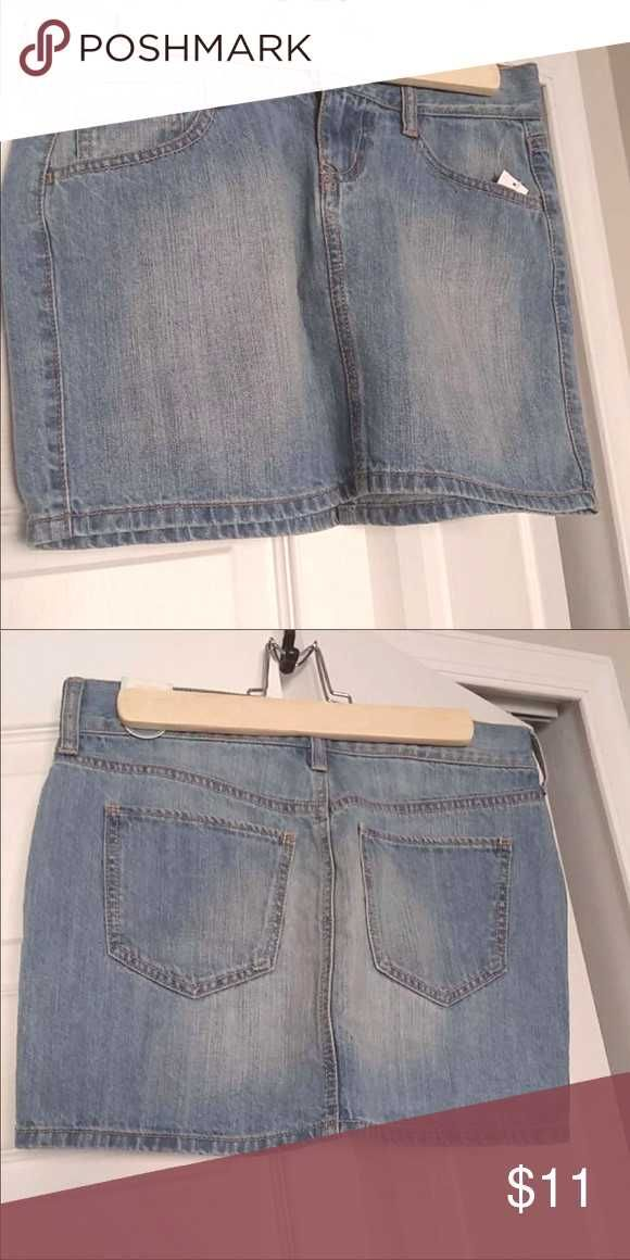 #outfitters #topshop #forever #skirts #people #urban #never #brand #skirt #denim #worn #zara #navy #free #new Old navy denim skirt Brand new skirt never worn   outfit...