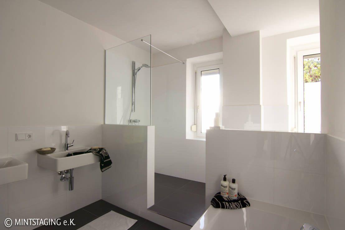 Bad Dusche Badezimmer Fliesen Gemauert Bad Ideen Ohne Renovieren Mit Duschwand Sanie In 2020 Gray Bathroom Decor Interior Design Bathroom Small Small Bathroom Interior