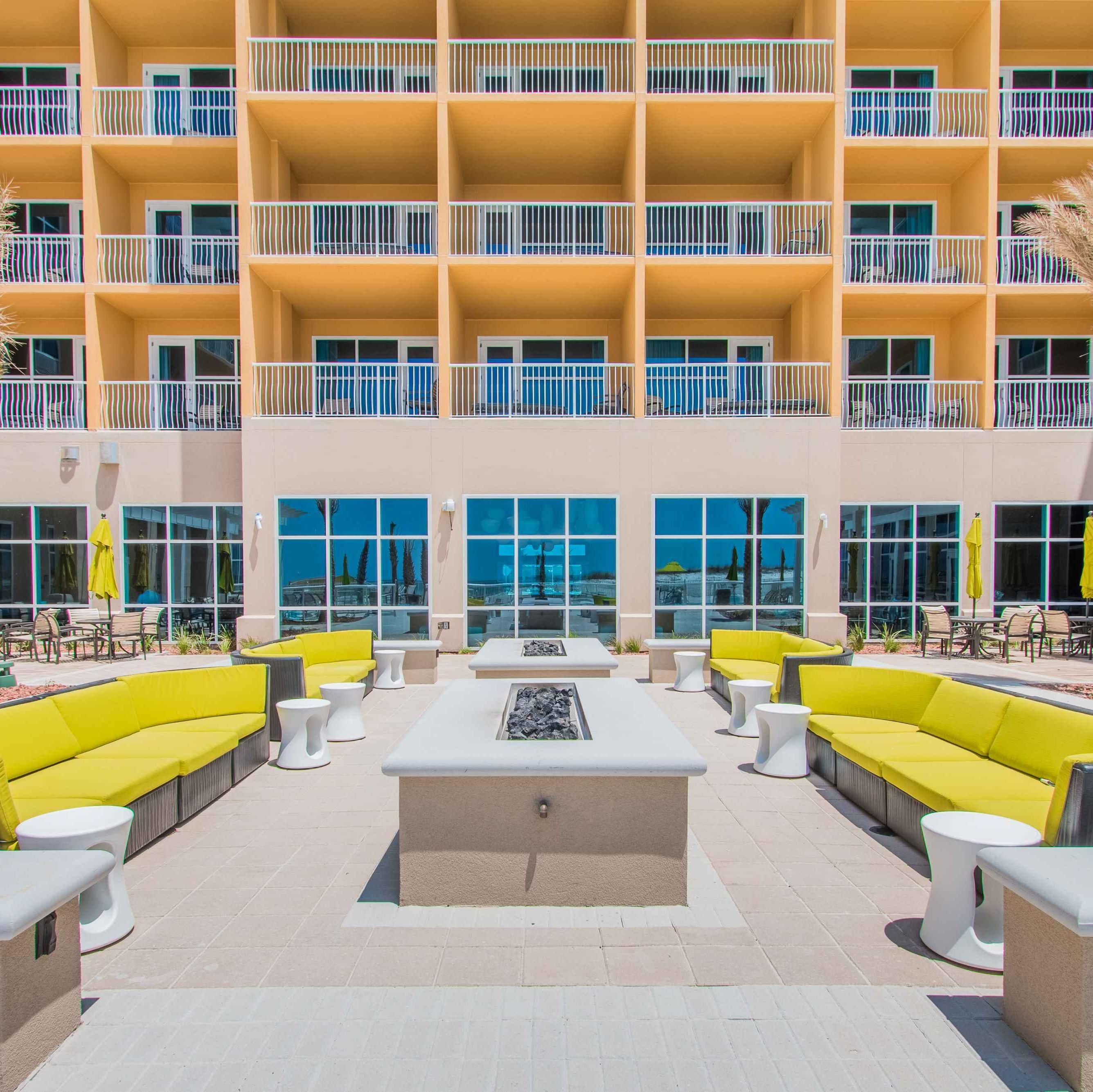 Have It All At Hgi Hilton Garden Inn Architectural Features Fort Walton Beach