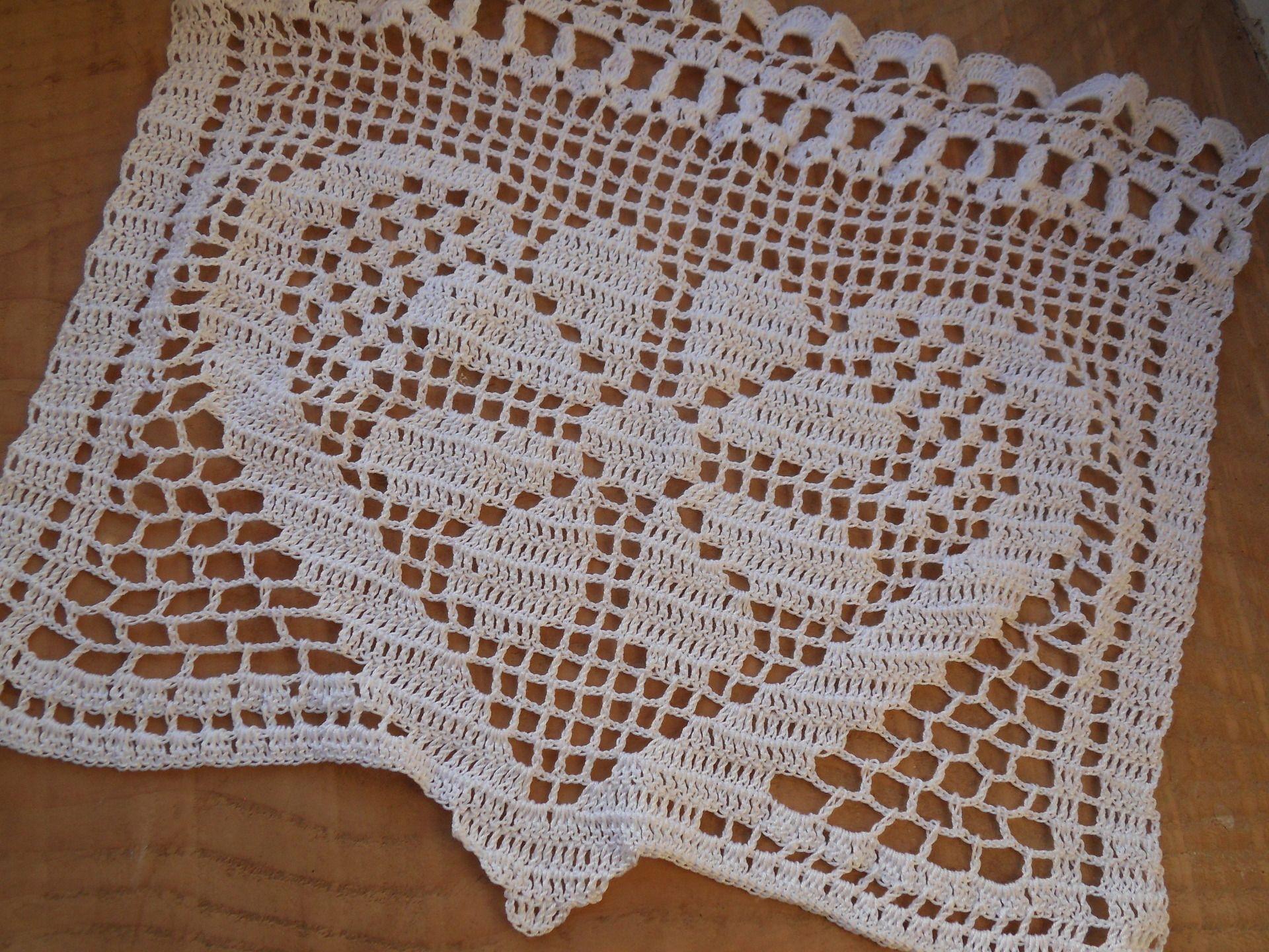 rideau voilage au crochet marguerite de coeurs zazdrostki pinterest rideaux crochet et. Black Bedroom Furniture Sets. Home Design Ideas