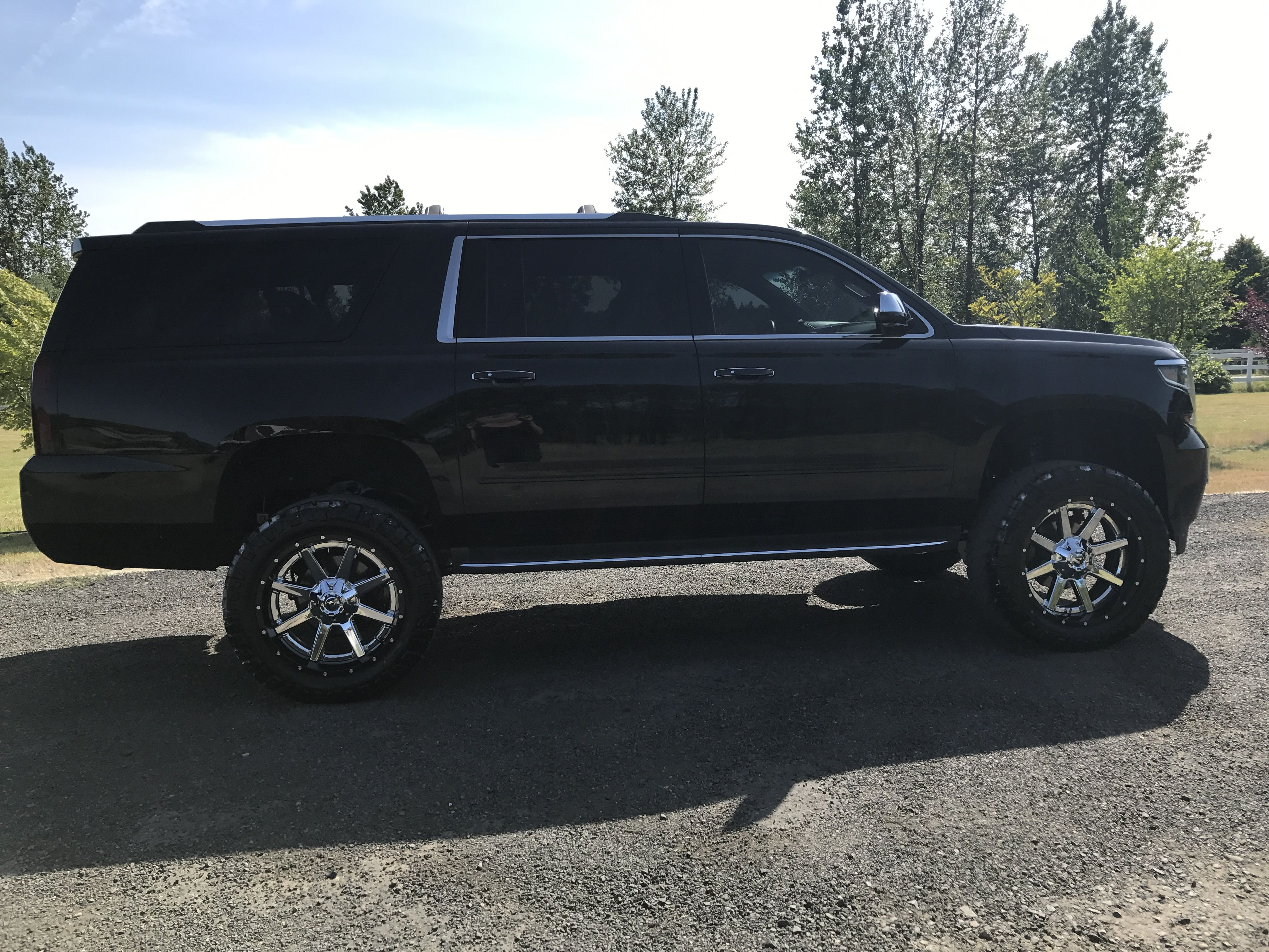 2015 lifted suburban 22 fuel rims on 35 tires 6 fabtech lift [ 4032 x 3024 Pixel ]
