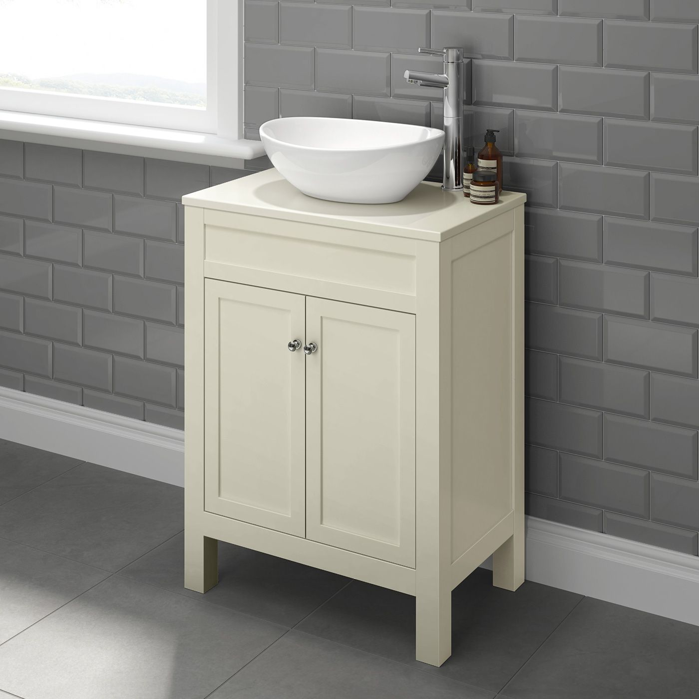 600mm Melbourne Clotted Cream Countertop Unit Camila Basin Floor Standing