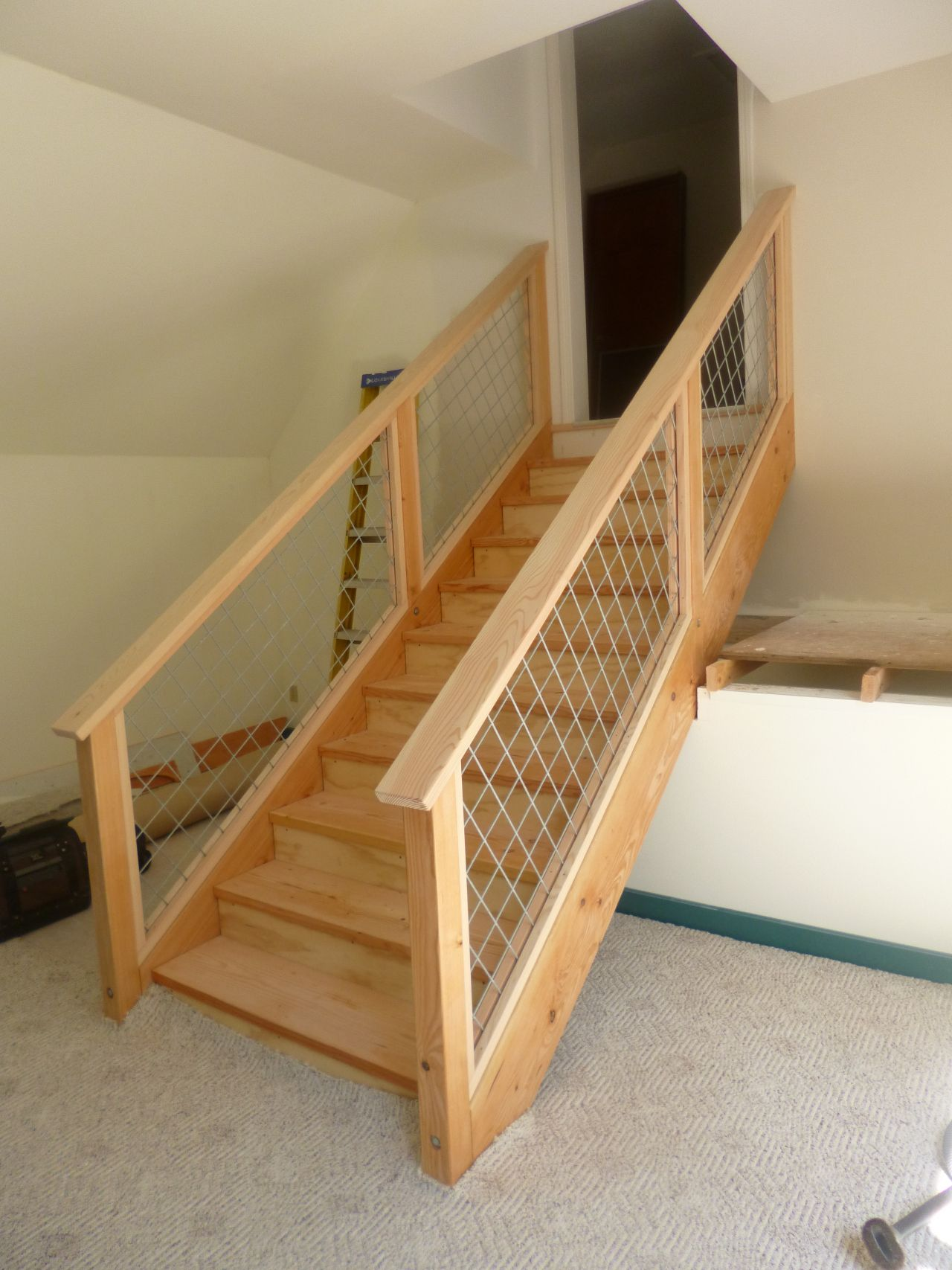 Timber Staircase With Hog Wire Railing Timber Staircase