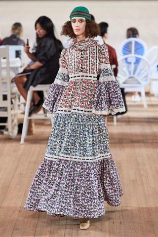 Marc Jacobs Spring 2020 Ready To Wear Fashion Show 2020 Fashion Trends Fashion Week Fashion