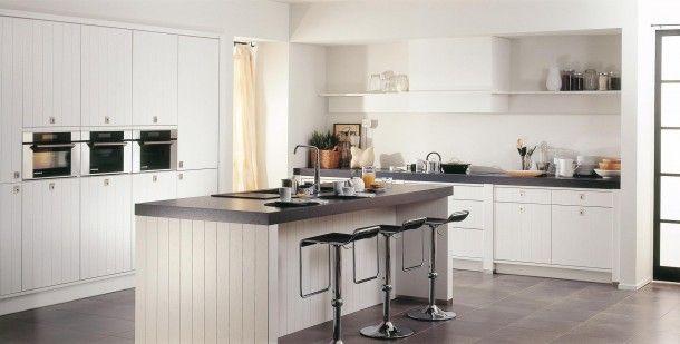 Witte Keuken Landelijk : Witte keuken met matgrijs werkblad landelijk en toch strak