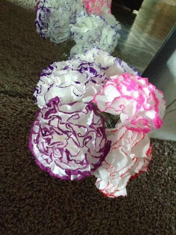 Paper Carnations Made From Tissues Flower Crafts Carnation Flower Crafts