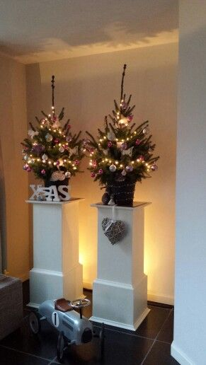 Kerstboom op zuil - Woonkamer | Pinterest - Kerst en Inspiratie