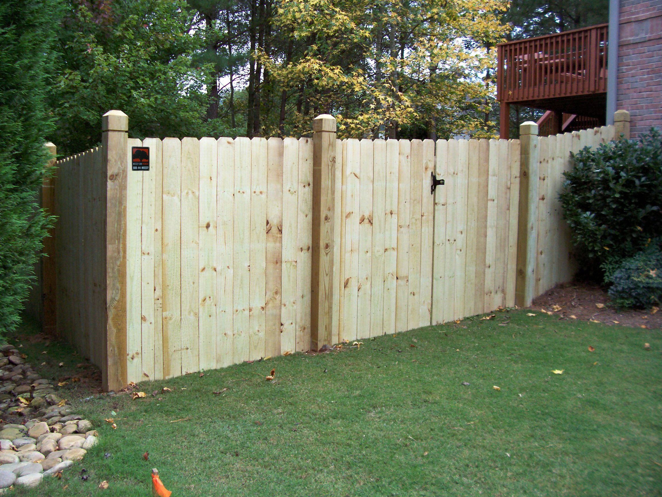 Wood Board On Board Backyard Fence | Mossy Oak Fence Company, Orlando U0026  Melbourne, FL