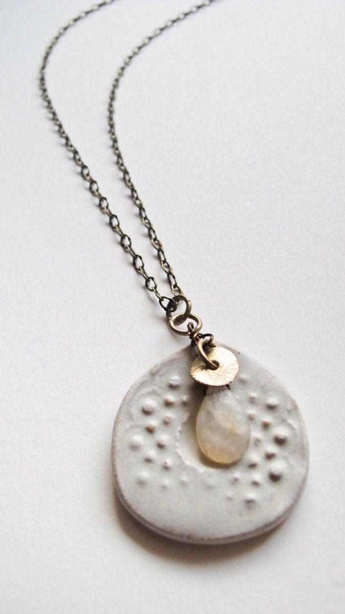 vintage brass ceramic necklace by aveshamichael on Etsy