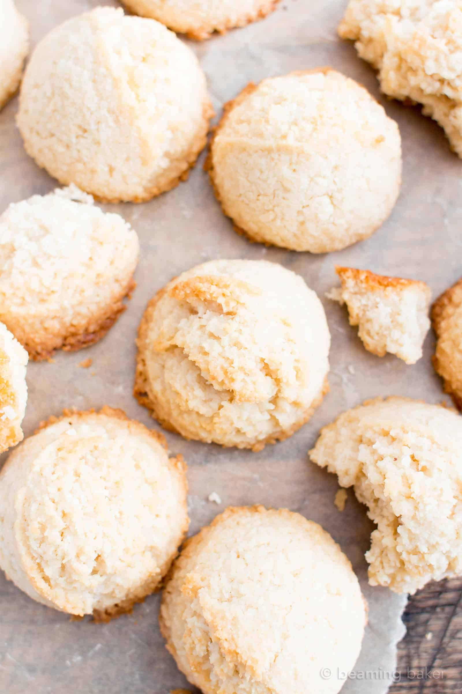 4 Ingredient Paleo Coconut Macaroons Recipe (V, GF): perfectly chewy and bursting with sweet coconut flavor, these are the best macaroons you've ever had! | Recipe on